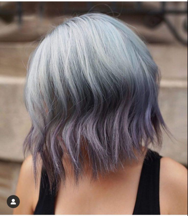 capelli blu con punte viola