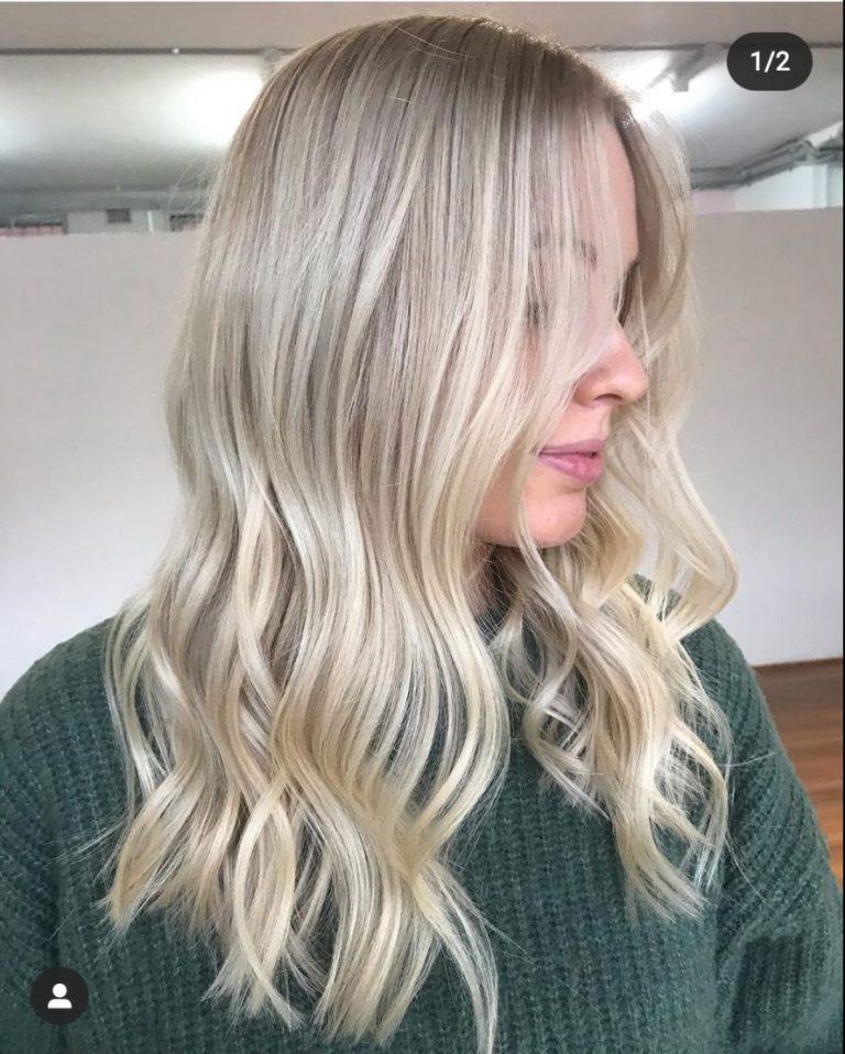 capelli biondo cenere con beach wave