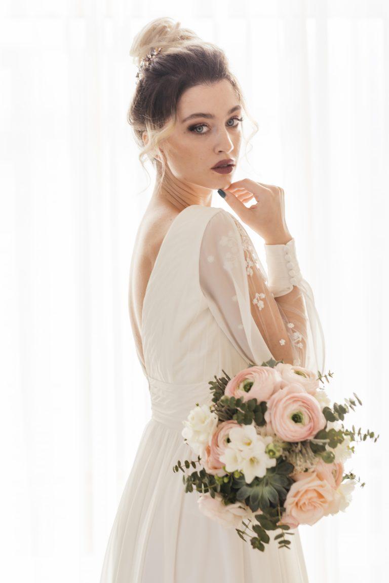 sposa con bouquet